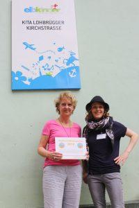 v.l. Kita-Leitung Ilona Homfeld Projektkoordinatorin Lucie Schauer von der Hamburger Krebsgesellschaft